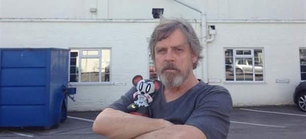 Mark Hamill es un Luke barbudo en el rodaje de 'Star Wars VII'